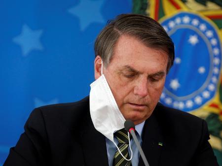 presidente-jair-bolsonaro-durante-entrevista-coletiva-em-brasilia-1593776458576_v2_450x337